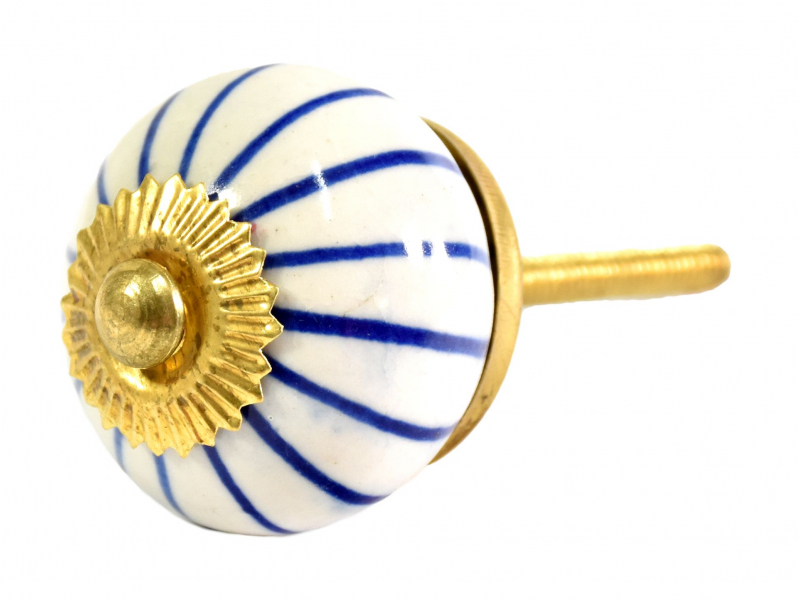 Malovaná porcelánová úchytka na šuplík, bílá s modrými proužky, průměr 3,7cm