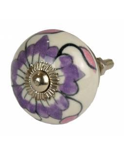 Malovaná porcelánová úchytka na šuplík, fialová květina a růžové lístečky, 3,7cm