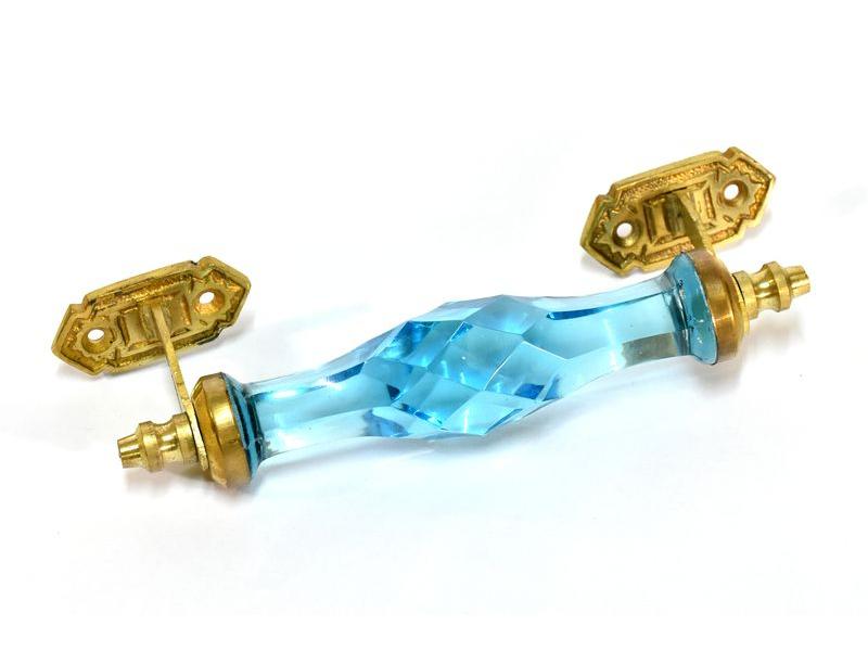 Skleněná úchytka na šuplík, kovové zdobení, modrá, 17x6cm