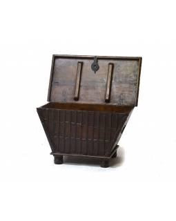 Stará dřevěná truhla z teakového dřeva, 97x54x54