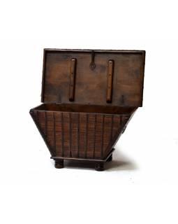 Stará dřevěná truhla z teakového dřeva, 93x54x54