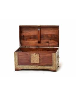 Truhla z palisandrového dřeva, zdobená mosazným kováním, 55x29x30cm
