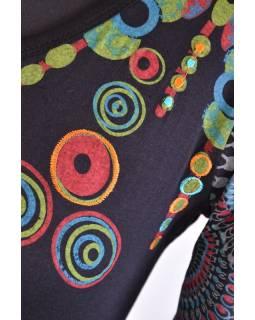 Černé šaty s dlouhým rukávem, Sun design, kulatý výstřih, potisk a výšivka