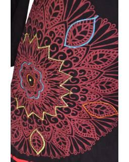 Černo-červené šaty s dlouhým rukávem, květinový potisk a výšivka