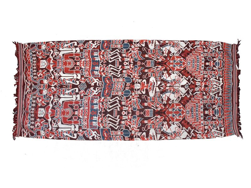 Červeno vínový přehoz s figurálním motivem, technika tkaní ikat, 260x116cm