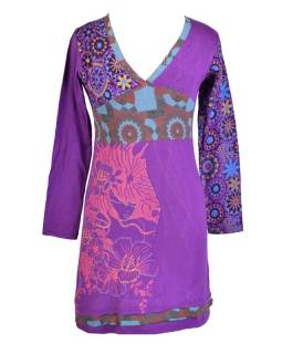 Fialové šaty s dlouhým rukávem, mix potisků a výšivka, V výstřih