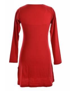Krátké červené šaty s dlouhým rukávem, Chakra tisk a výšivka, zipy u krku