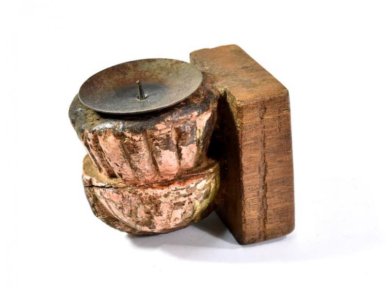 Antik svícen z mangového dřeva, 7x8,5x10,5cm