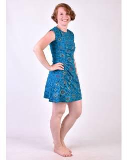 Modré šaty s krátkým rukávem a celopotiskem mandal, sklady na boku, výšivka