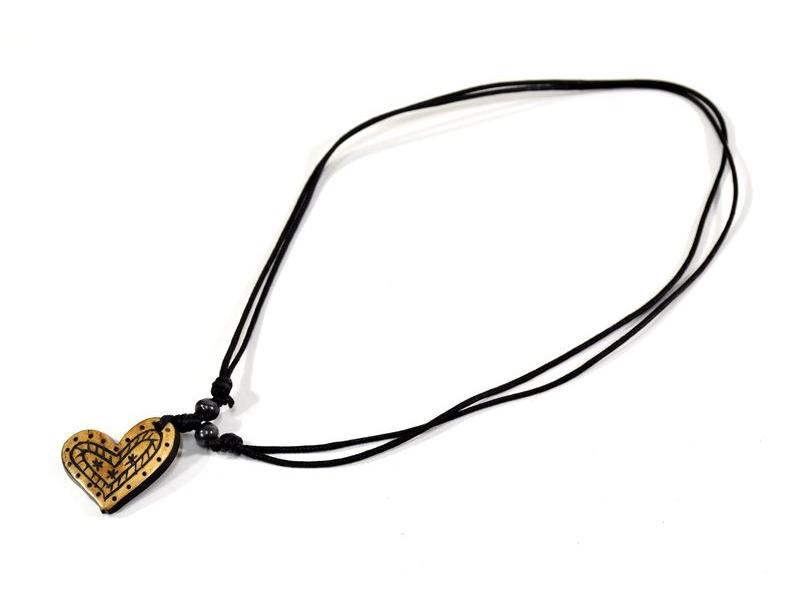 Kostěný náhrdelník na šňůrce, srdce, cca 3 cm