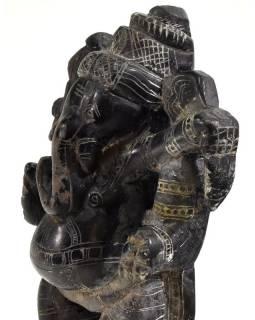 Kamenná soška, Ganéša stojící, ručně vyřezávaná, 13cm