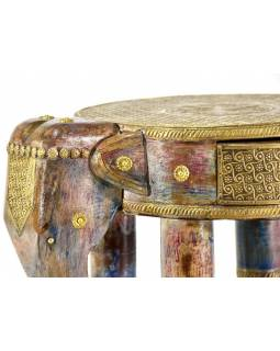 Stolička ve tvaru slona zdobená mosazným kováním, 42x31x47cm
