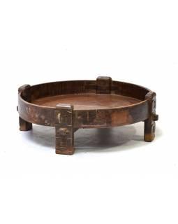 Ručně vyřezávaný kulatý stolek z antik teakového dřeva, prům.88cm výška 28cm