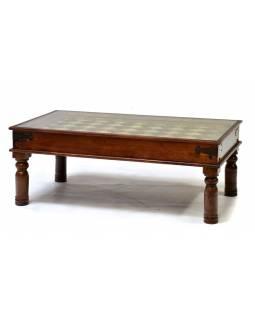 Konferenční stolek se sklem, zdobený mosazným kováním, 120x65x45cm