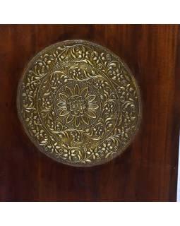 Skříň z palisandrového dřeva zdobená mosazným kováním, 100x55x200cm
