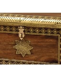 Truhlička z palisandrového dřeva zdobená mosazným kováním, 30x22x21cm
