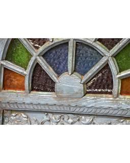 Staré okno zdobené skleněnou mozaikou, vyplněné zrcadlem, 75x11x132cm