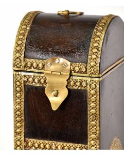 Box na víno zdobený mosazným kováním, 11x12x35cm