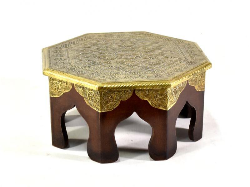 Čajový stolek z mangového dřeva zdobený mosazným kováním, 32x30x15cm