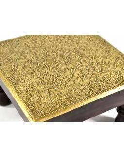 Čajový stolek z mangového dřeva zdobený mosazným kováním, 26x26x15cm