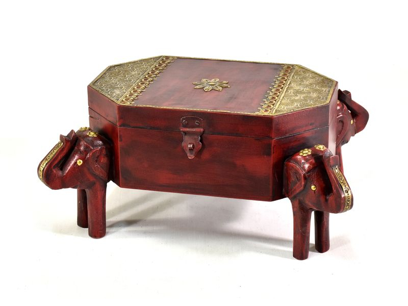 Červená truhlička se sloníma hlavama, tropické dřevo tepané mosazí, 35x25x17cm