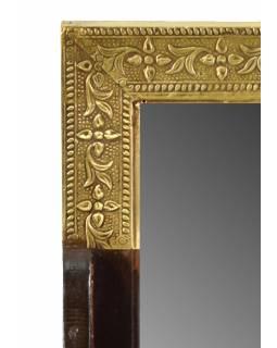 Zrcadlo s poličkou z mangového dřeva zdobené mosazným kováním, 18x10x29cm