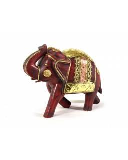 Slon, dřevěný, zdobený zlatým kovem, červený, 24x20cm