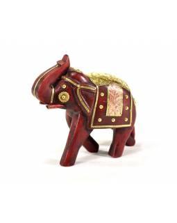 Slon, dřevěný, zdobený zlatým kovem, červený, 18x16cm