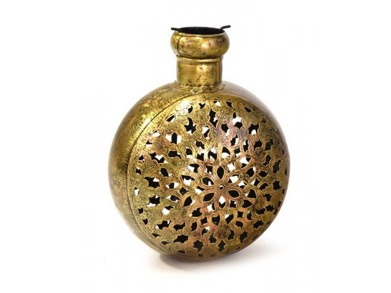 Kovový ručně tepaný svícen na čajovou svíčku, 23x18x30cm