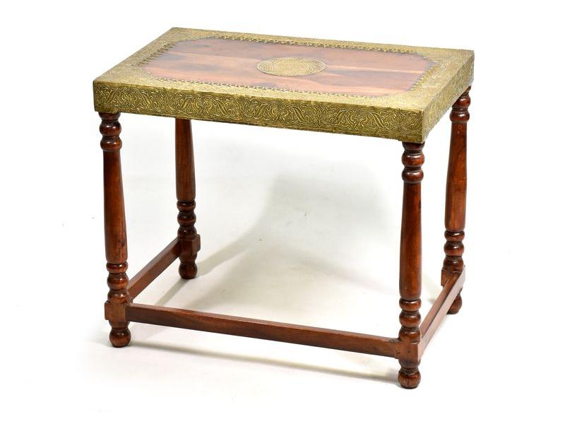 Stolička z palisandrového dřeva zdobená mosazným kováním, 60x38x52cm