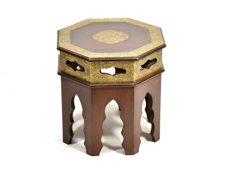 Stolička z palisandrového dřeva zdobená mosazným kováním, 38x38x38cm