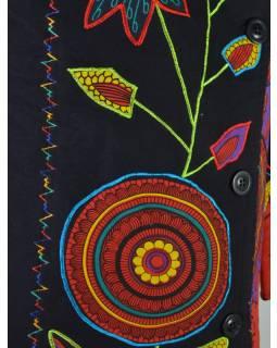 "Černo červený asymetrický kabátek ""Flower mandala"", výšivka, knoflíky, kapsy"