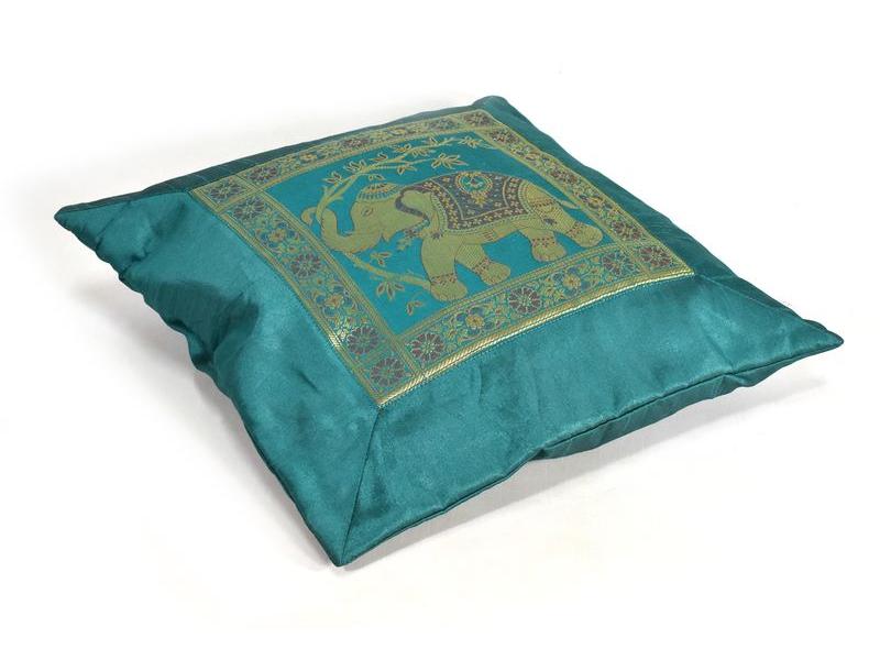 Smaragdový saténový povlak na polštář s výšivkou slon, zip, 40x40cm