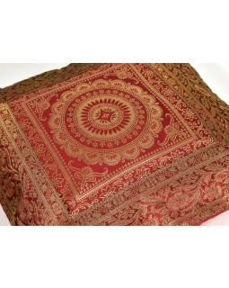 Červený saténový povlak na polštář s výšivkou mandala, zip, 40x40cm