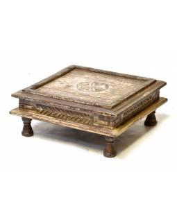 Starý rituální stolek z teakového dřeva, ručně vyřezávaný, 55x55x24cm