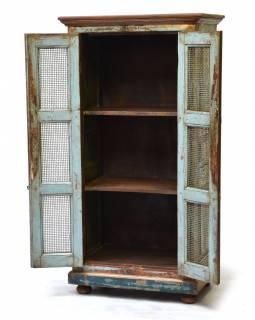 Policová skříň z teakového dřeva, kovové mříže, tyrkysová patina, 68x44x134cm