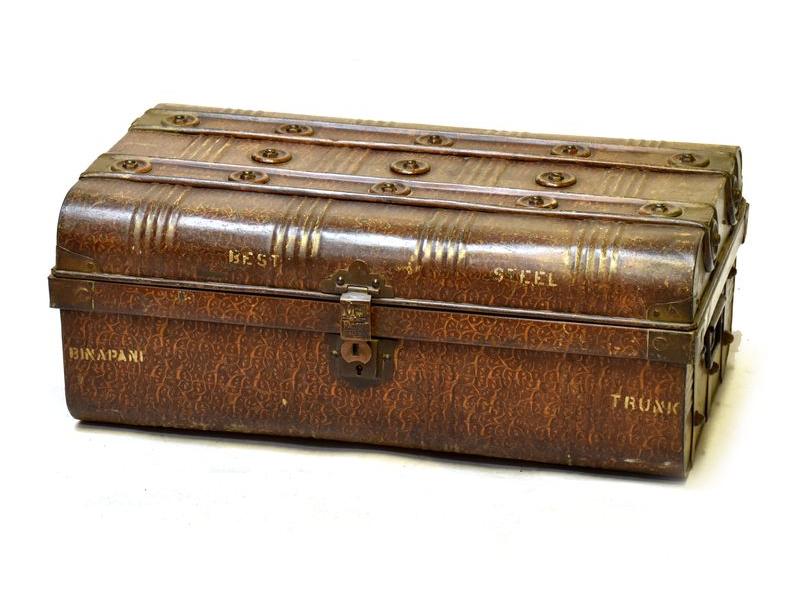 Plechový kufr, antik, hnědý, 69x43x27cm