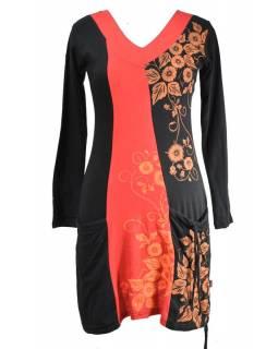 Černo-červené šaty s dlouhým rukávem a kapsami, floral potisk, V výstřih