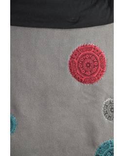 Krátká šedá sukně s chakra aplikacemi a pružným pasem