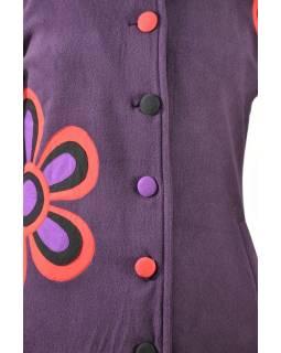 Švestkový fleecový kabát zapínaný na knoflíky, barevný květinový design, kapsy