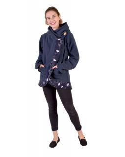 Tmavě modrý fleecový kabát s kapucí zapínaný na knoflík, leaves design a výšivka