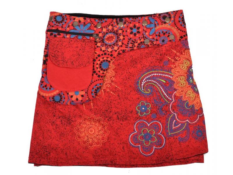 Krátká červená sukně zapínaná na patentky, kapsa, flower potisk a výšivka