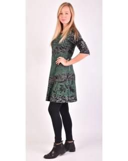 Zelené šaty s květinovým potiskem a tříčtvrtečním rukávem
