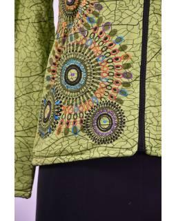 Zelená dámská mikina s kapucí zapínaná na zip, potisk a výšivka
