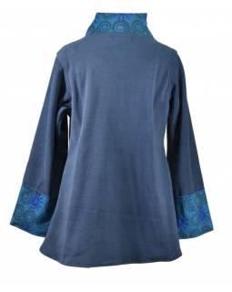 Modrý fleecový kabát s potiskem zapínaný na knoflík, výšivka, kapsy