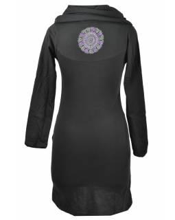 Černé šaty s kapucí/límcem, tříčtvrteční rukáv, potisk a výšivka mandaly