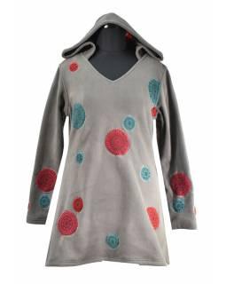 Šedé mikinové šaty s kapucí a barevnými aplikacemi, V výstřih