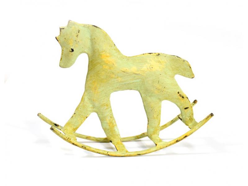 Kovová soška koníka, zeleno žlutá patina, 14x4x11cm