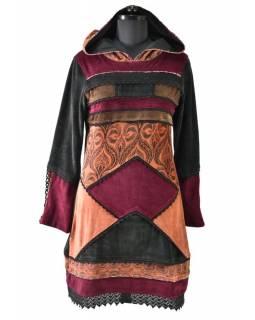 Vínové sametové mikinové šaty s kapucí a barevnými aplikacemi,