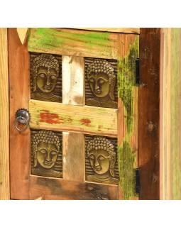 Noční stolek z antik teakového dřeva zdobený reliefy Buddhů, 46x35x61cm